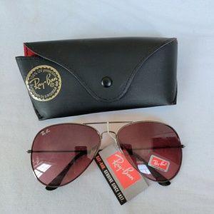Vintage NWT Ray Ban Avaitor Sunglasses & Case